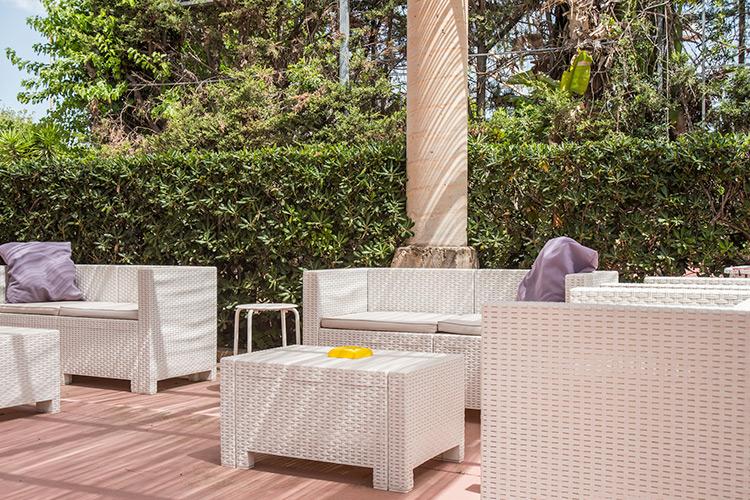 Servizi complementari per giardini in olbia costa for Arredo ville e giardini