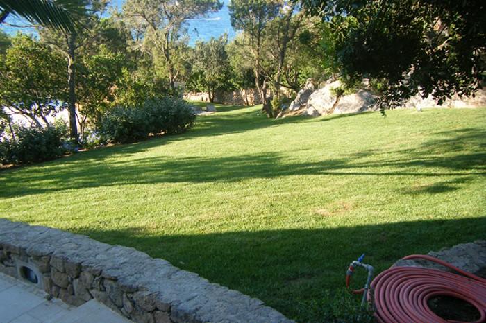 Manutenzione giardini privati pubblici e aziendali in for Manutenzione giardini