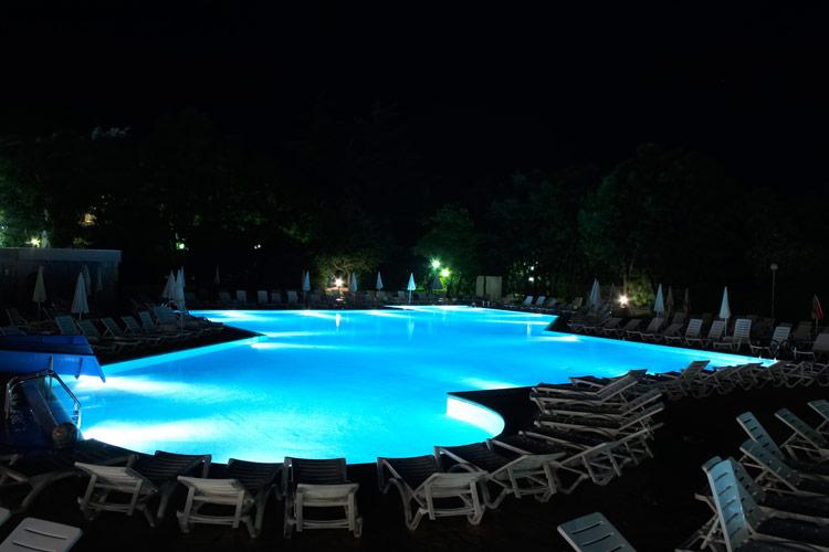 illuminazione-piscine-landscaper4