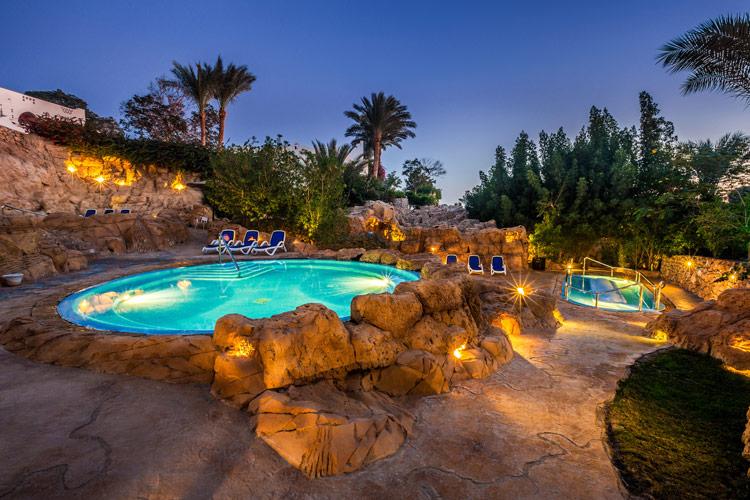 illuminazione-piscine-landscaper6