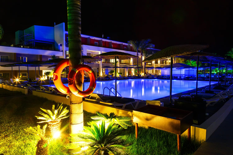 illuminazione-piscine-landscaper7