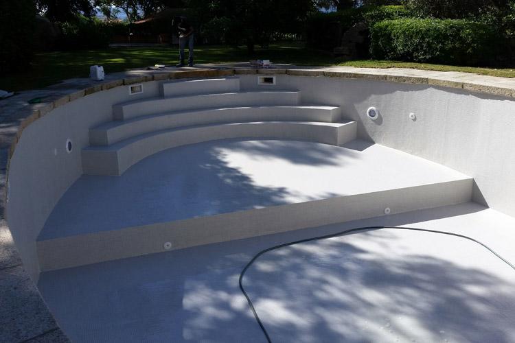 piscina-skimmer-mosaico-scalinata-landscaper