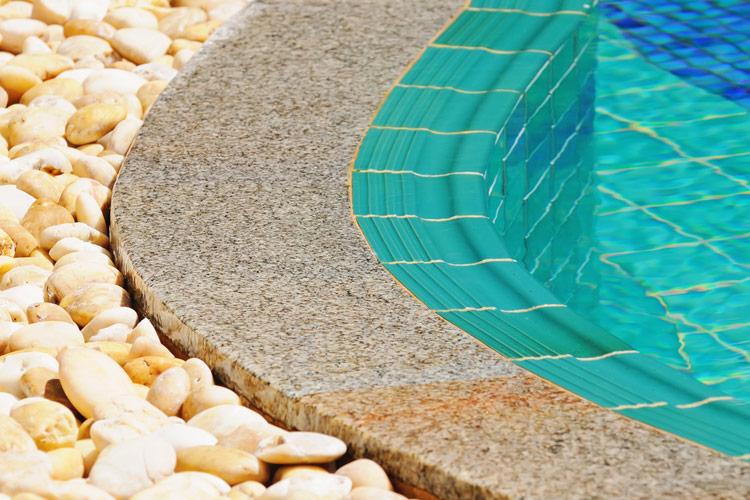 finiture-ciottoli-levigati-piscine-landscaper