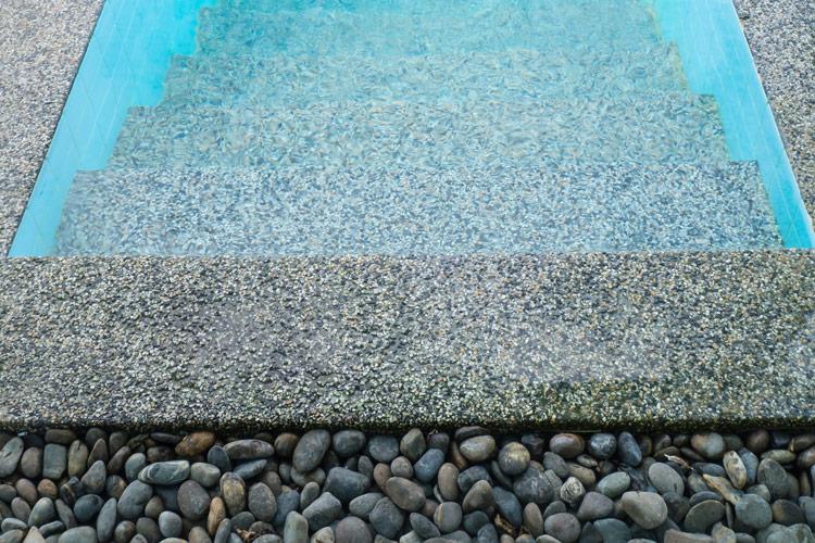 landscaper-sardegna-piscine-ciottoli3