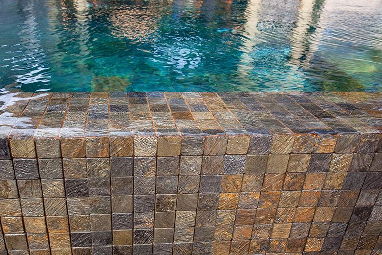 landscaper-sardegna-piscine-mosaico-ceramica