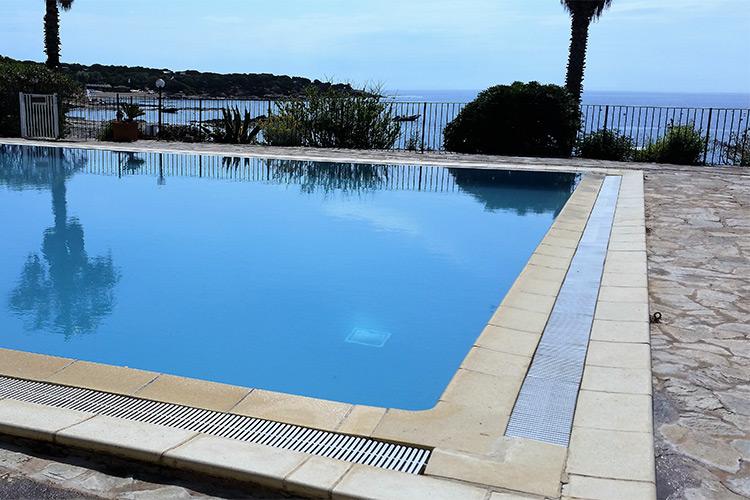 piscina-sfioro-cementoarmato-landscaper